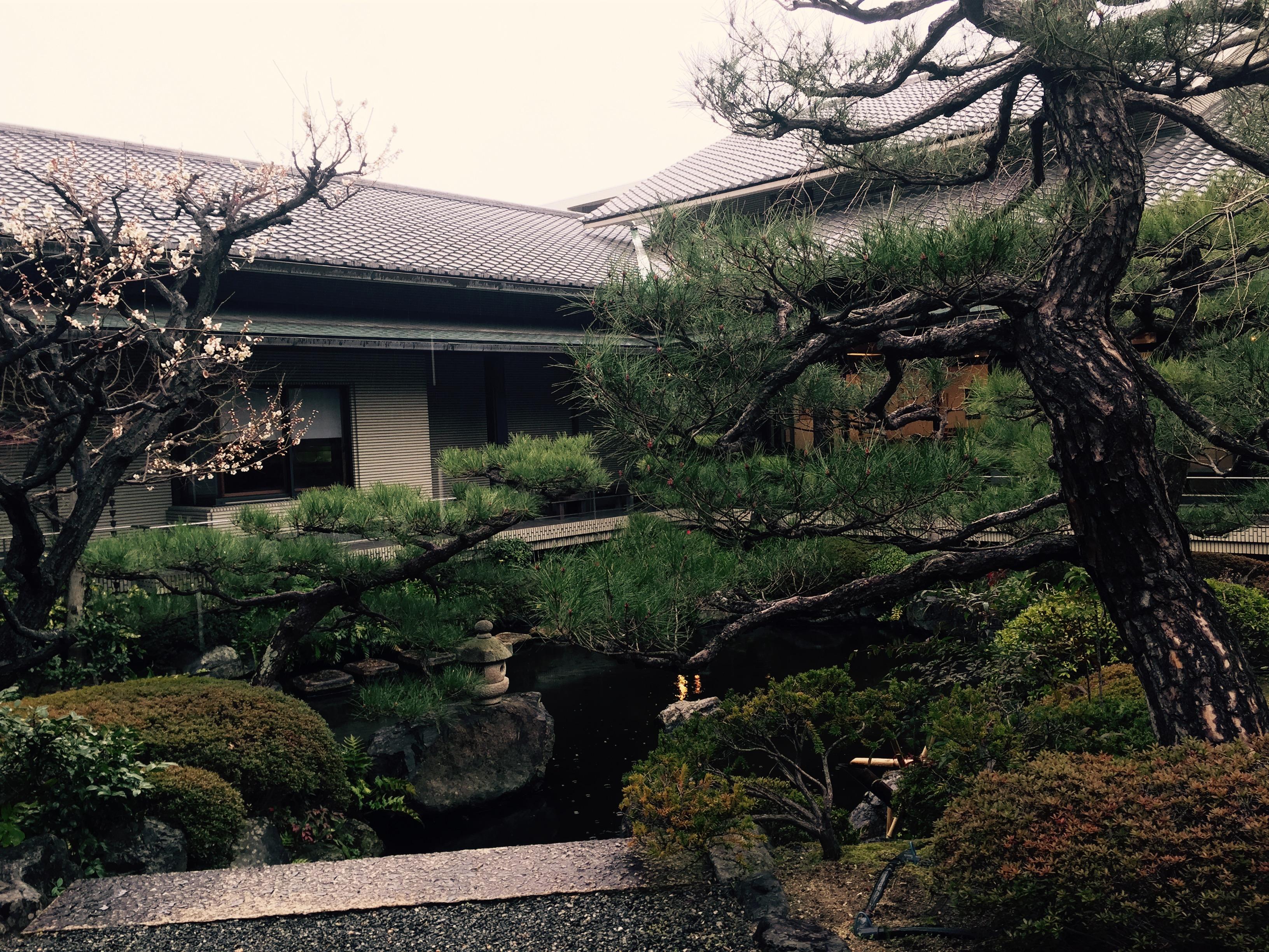 Gioacchino besichtigt das Junichiro Tanizaki Museum in Ashiya, wo alles nur in japanisch beschriftet ist.