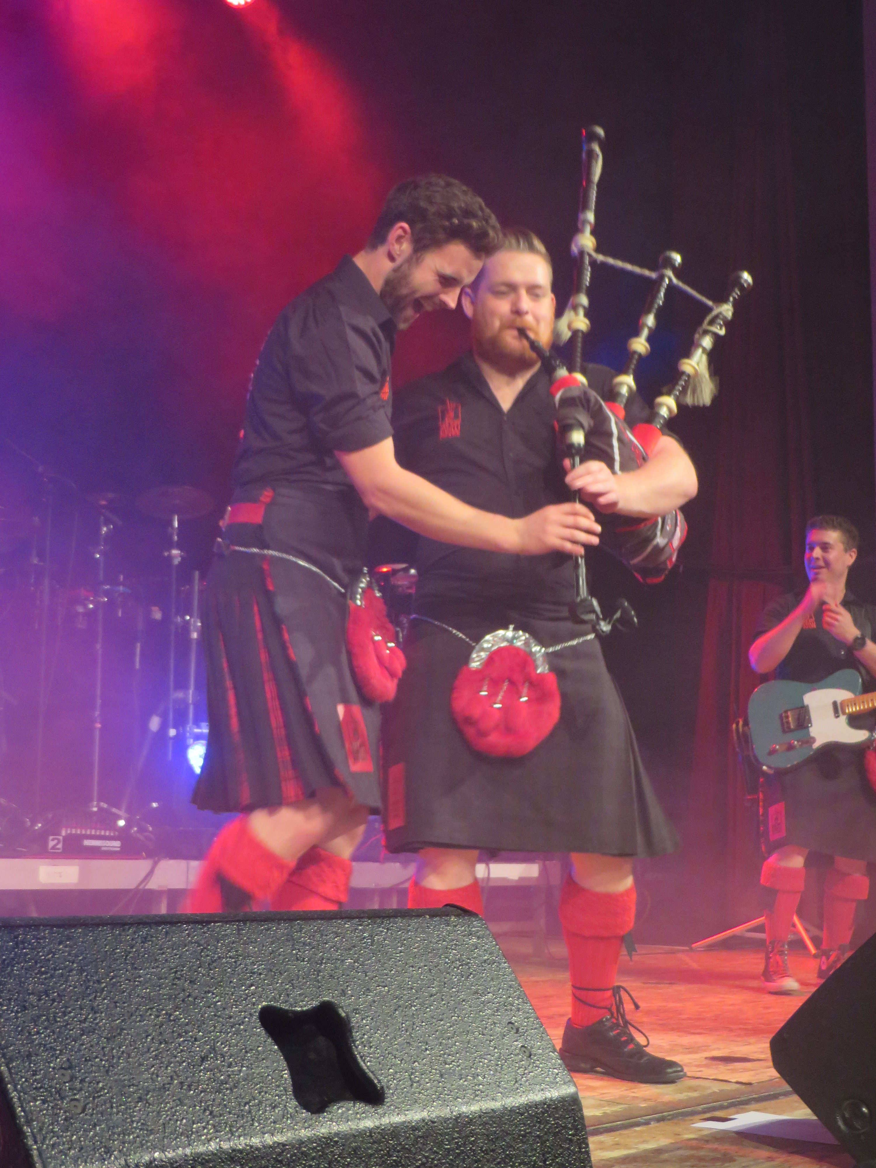 red hot chilli pipers duo